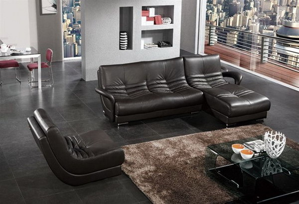 Your Living Room Needs Modern Leather Furniture