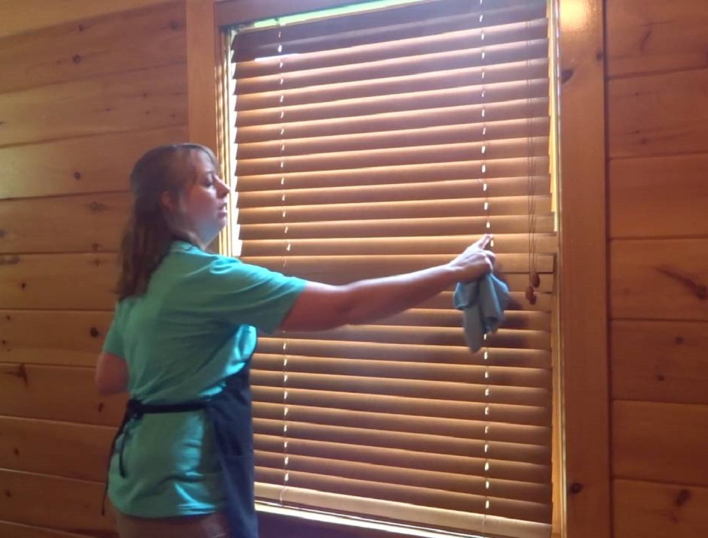 Simple Tips on Cleaning Window Blinds