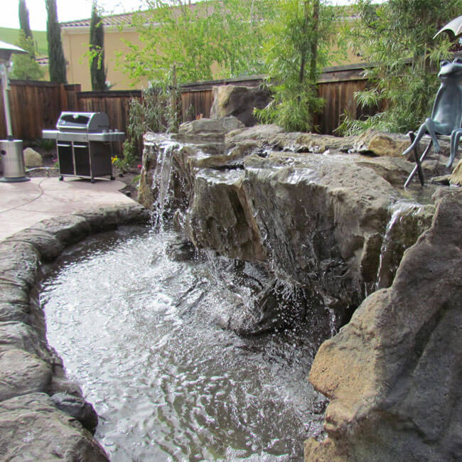 How Water Features can enhance Your Backyard?