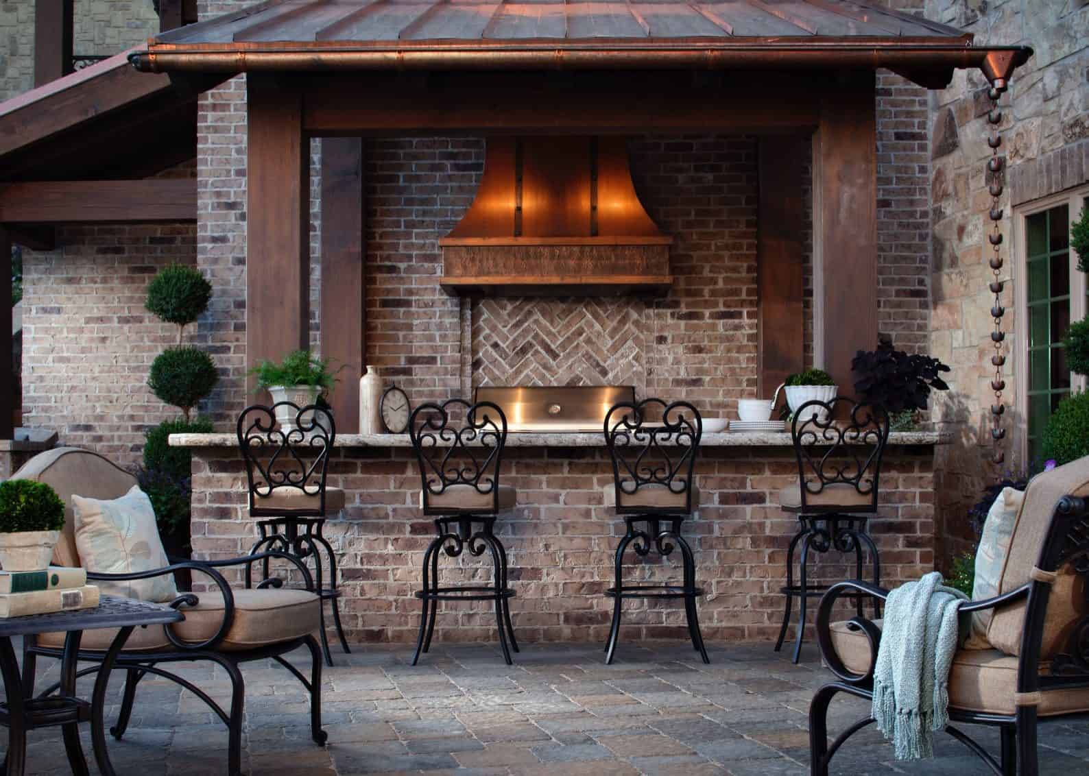 7 Things to Think About When Designing an Outdoor Kitchen
